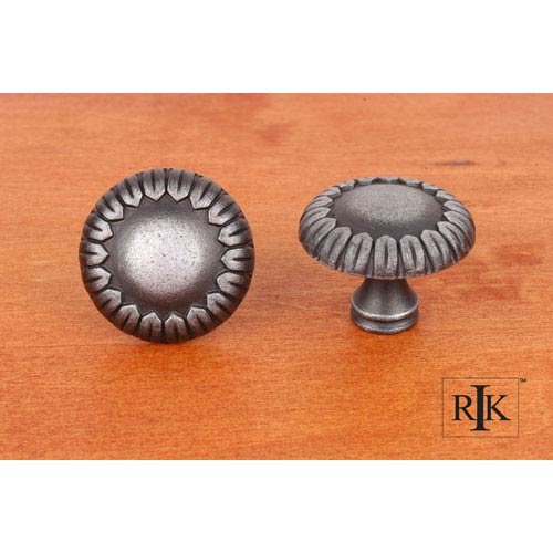 Distressed Nickel Large Petals at Edge Knob