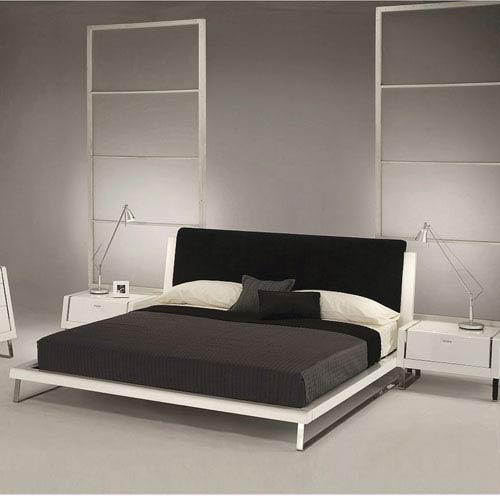 Whiteline Modern Living Bahamas Black Queen Bed with Headboard Panel