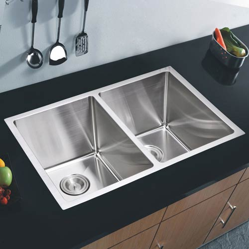 Premium Scratch Resistant Satin 31-Inch, 15 mm Corner Radius Double Bowl Undermount Kitchen Sink with Coved Corner, Strainer,