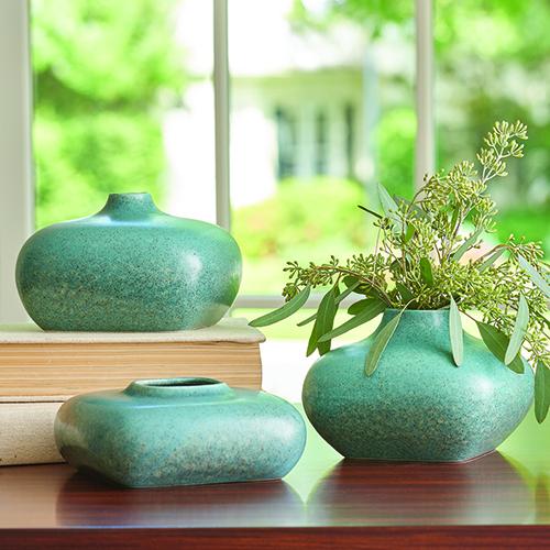 5c520ab96f7 Global Views Modernist Azure Short Vase 1.10533