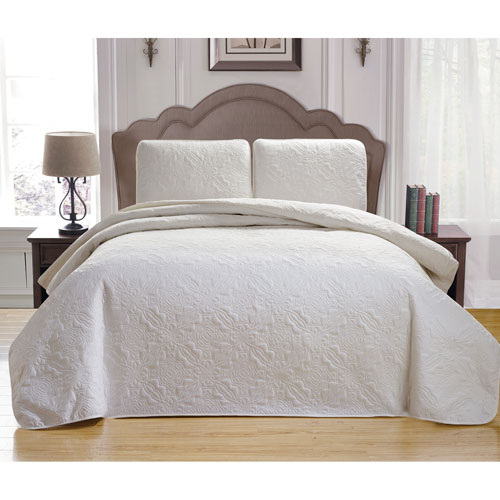 Duck River Textile Carlotta White Full/Queen Three-Piece Bedspread Set