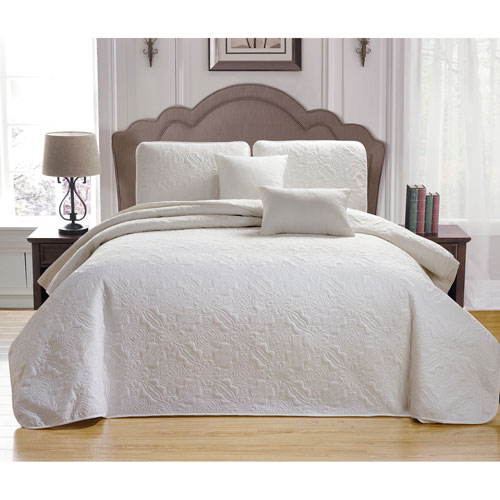 Carlotta White Full/Queen Five-Piece Bedspread Set