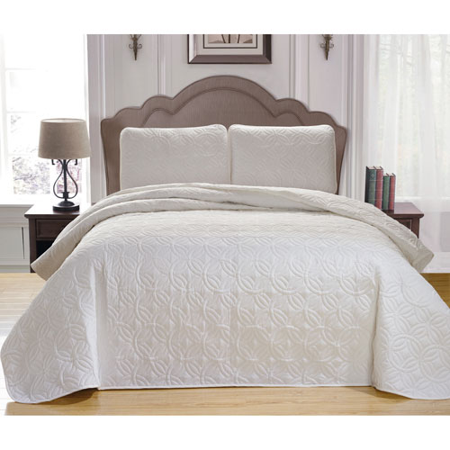 Leda White King Three-Piece King Bedspread Set