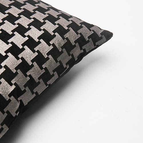 Rose Street Metallic Black Houndstooth Velvet 18 In. Pillow
