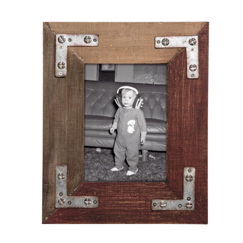 Foreside Home and Garden Half Red Wood 5 x 7 in. Photo Frame