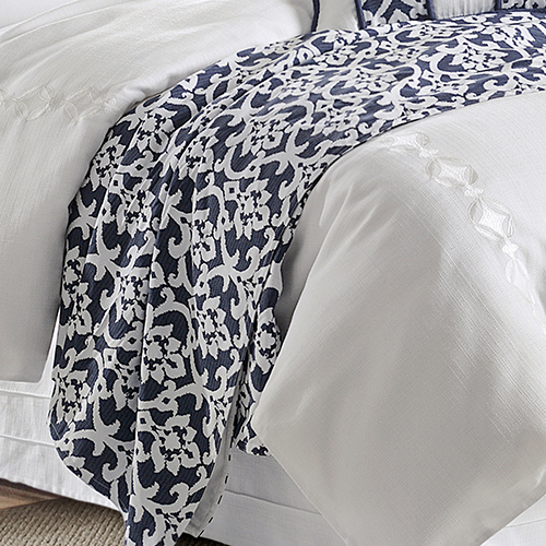 Kavali Navy and White Floral Jaquard Super Queen Duvet