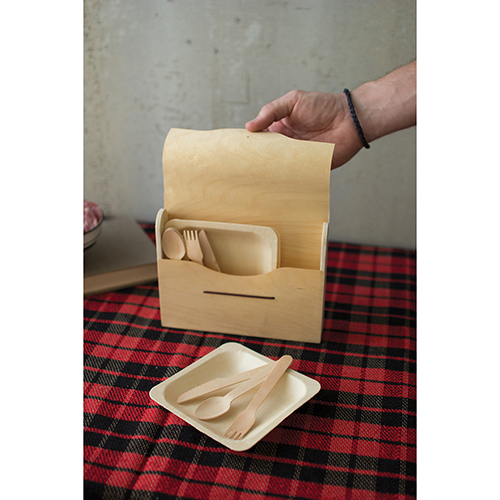 Set of 6 Picnic Sets In Wooden Box