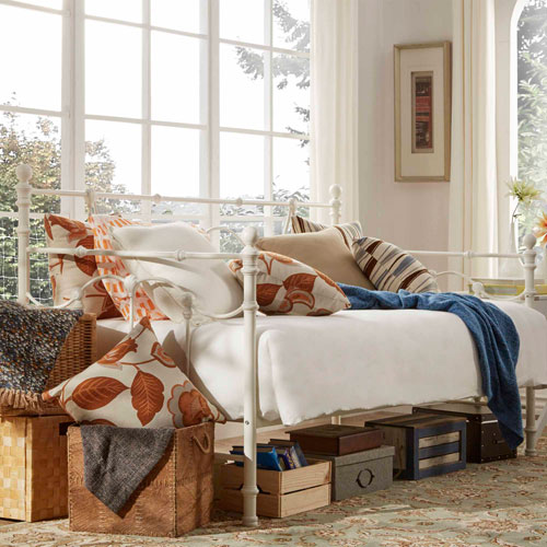 Paloma Victorian White Daybed